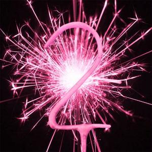 Pink Numeral 2 Sparkler - rosa tomtebloss siffra 2 år