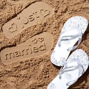 White Just Married Flip Flops - flip flops för nygifta