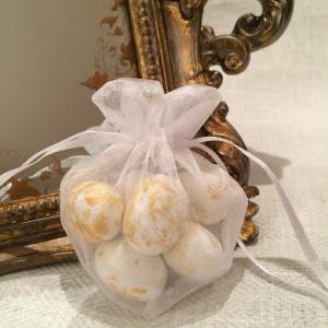 White Heart Organza Gift Bags - vita hjärtformade organzapåsar