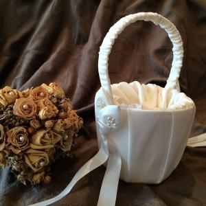Calla Lily Flower Girl Basket Ivory - elfenbensvit blomsterkorg
