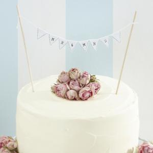 Mr & Mrs Wedding Cake Bunting White - Vintage Lace
