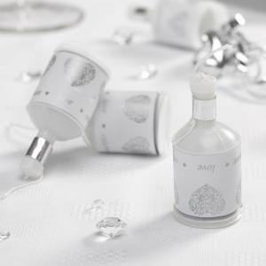 Party Poppers - Vintage Romance White & Silver
