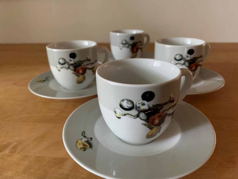 Mussaka kaffekopp med fat - köp 4 betala för 3!