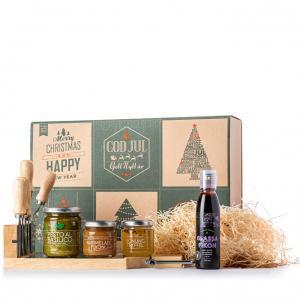 Presentlåda i papp. Klipp ut julkorten och börja skapa, skicka till nära och kära.