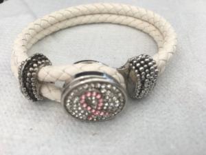 Armband rosa band vit
