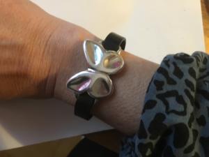 Armband singel fjäril magnetlås