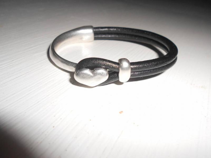 Armband läder//metall i 999-sp hjärta