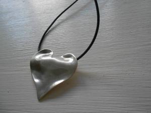 Halsband läder med hjärta i 999-sp