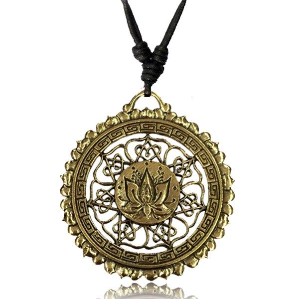 Halsband, Lotus Circle
