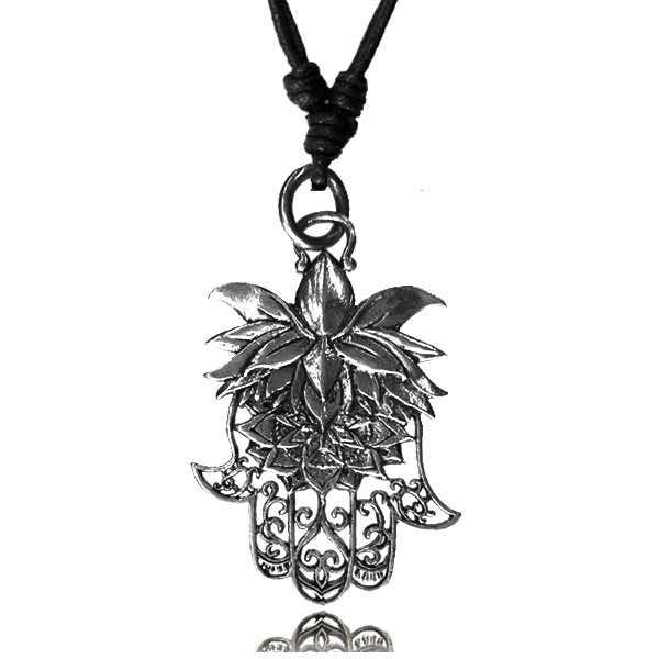 Halsband i vit mässing - Lotus hand