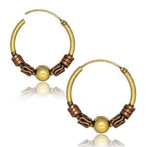 Hoops Ringar i guldig mässing med Bali inspirerade detaljer.