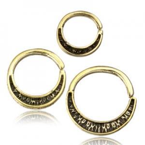 Ring till piercing i guld mässing. Smycket passar till Septum och Daith.