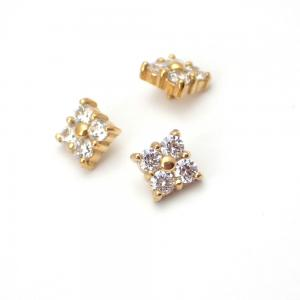 Piercingsmycke - 24k-guld PVD - Vita kristaller - Fyrkantig Cluster