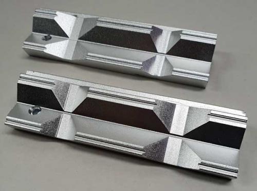 Skyddsbackar 100 mm aluminium prisma magnet