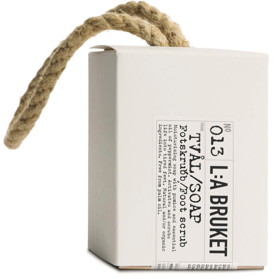 L:A Bruket Tamptvål fotskrubb 240g