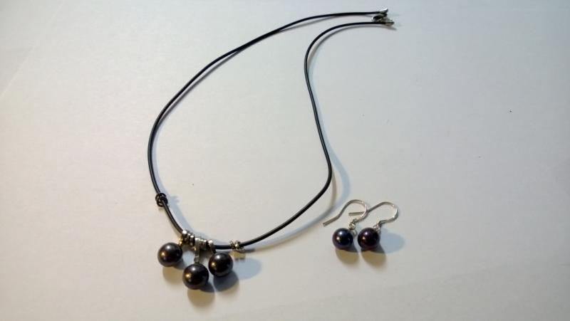Halsband och örhänge (1set )