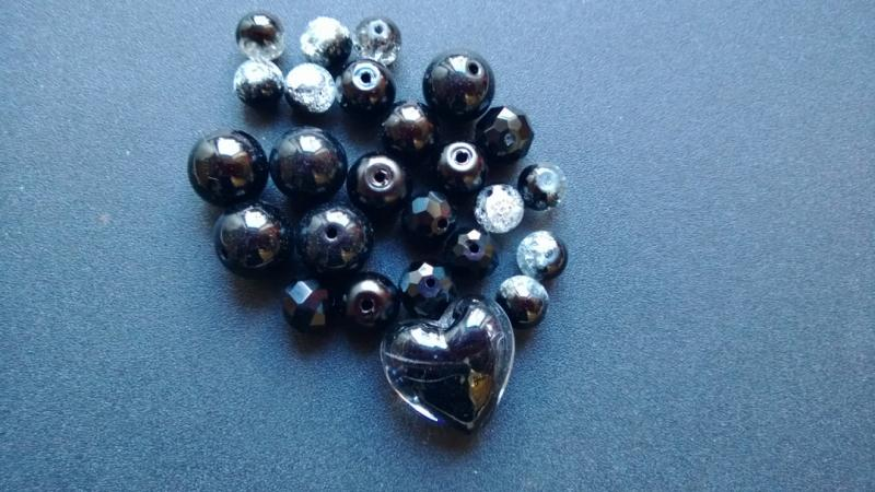 Pärlmix  Svart  ( paket om 25 st)