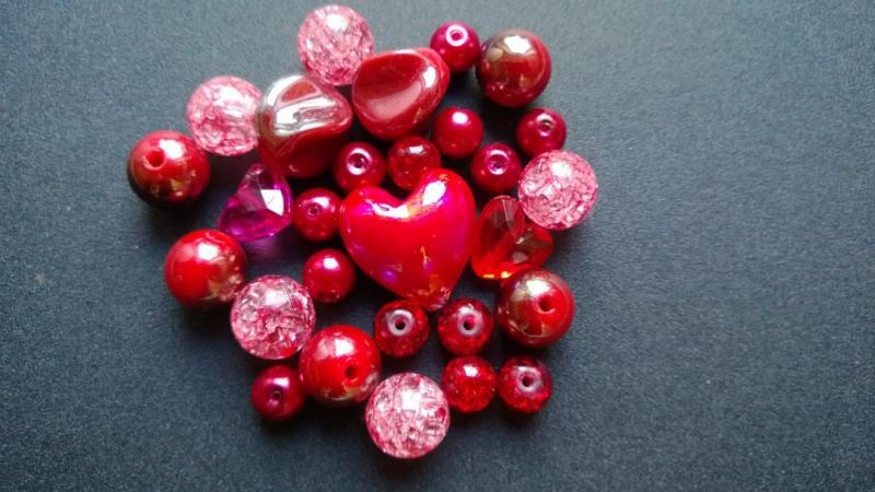Pärlmix Röd ( paket om 25 st)