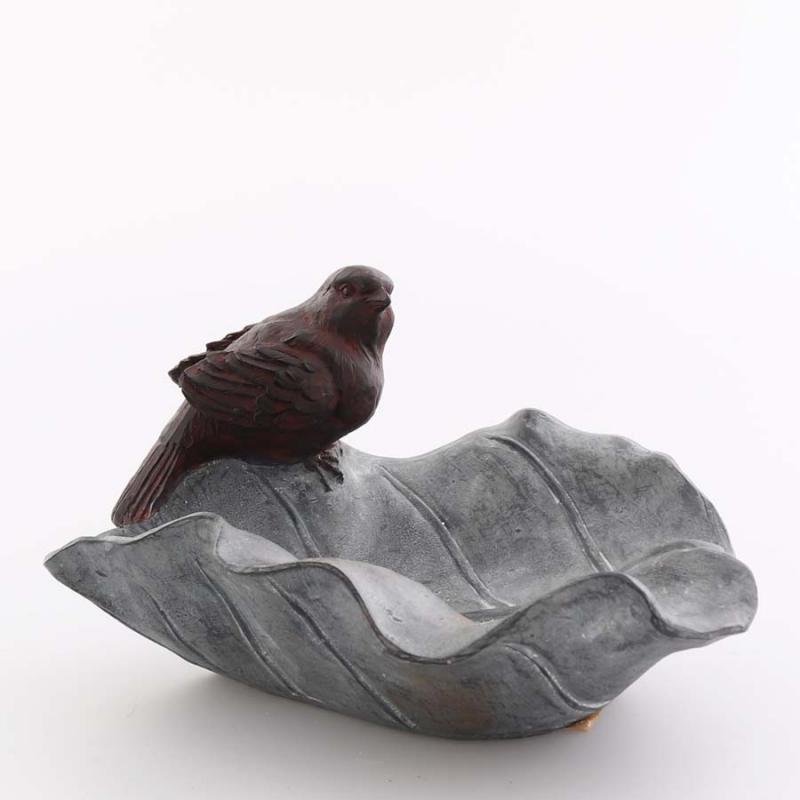 Fågelbad på pinne