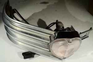 1963   Cadillac    krom med blinkerslampa        vänster