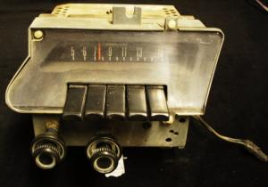 1969 Ford Galaxie radio