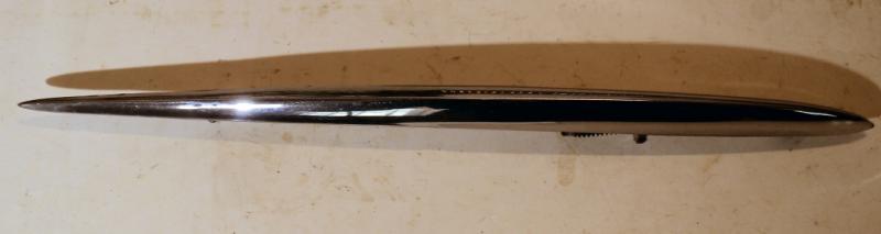 1959 Imperial krom bakskärm höger inre