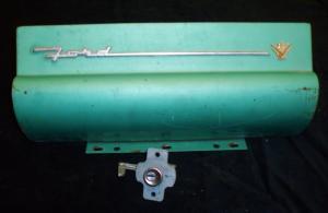 1956 Ford handskfackslucka / lås