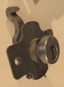 1957 Mercury   handskfackslås      (utan nyckel)