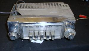 1960 Chrysler radio