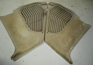 1965  Chrysler 300       kick panel (par)