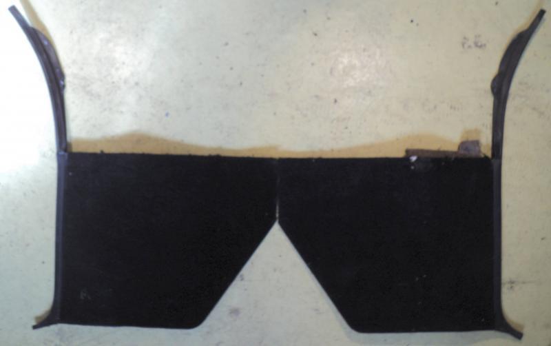 1970  Oldsmobile 98   kick panel (par)