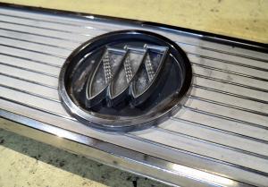 1963   Buick Skylark   krom plåt bak