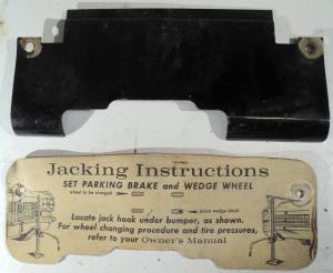 1963  Cadillac  domkrafts plåt och papp I skuff