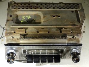 1957 Ford radio 75MF (ej testad)