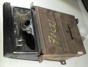1970   Cadillac   askkopp i instrumentbrädan