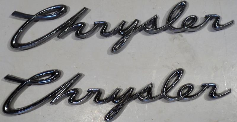 1960  Chrysler Windsor    emblem     (par)