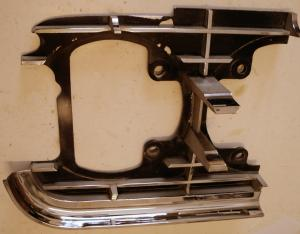 1965 Oldsmobile 98 grilldel höger yttre