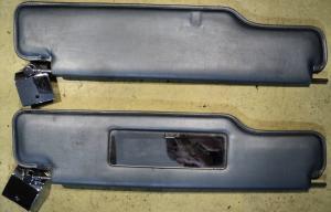 1964 Lincoln   ljusblått solskydd (bra krom, matt spegel) (par)