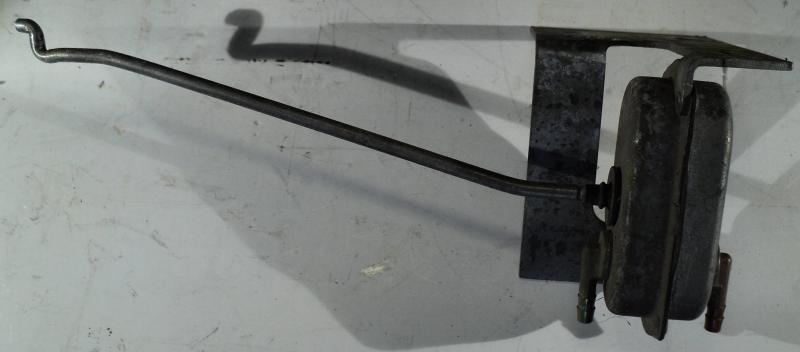 1968 Cadillac  central lås vacuum del       vänster fram