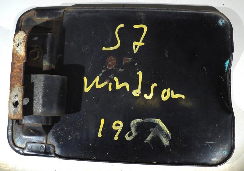 1957  Chrysler Windsor          tanklockslucka