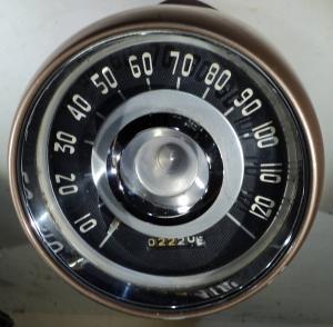 1957  Chrysler Windsor       hastighetsmätare