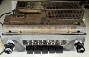 1957 Ford  radio (ej testad)    75BF
