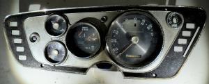 1963  Plymouth Belvedere  instrumenthus     hastighetsmätare, tankmätare, ampärmätare, tempmätare (dålig plast)