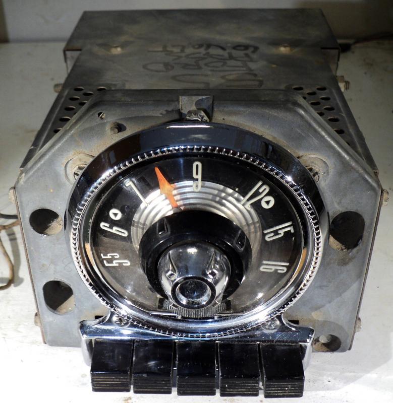 1955 Ford  radio (ej testad) (visaren följer inte med hela vägen)