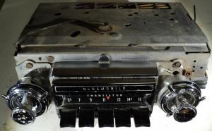 1965   Oldsmobile 88       radio (ej testad) Delco Ser. 31-12958