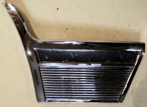 1965   Oldsmobile 88    krom framskärm       höger