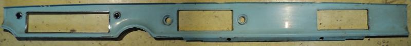 1958   Buick Special    plåt instrumentbrädan (porig krom ram)