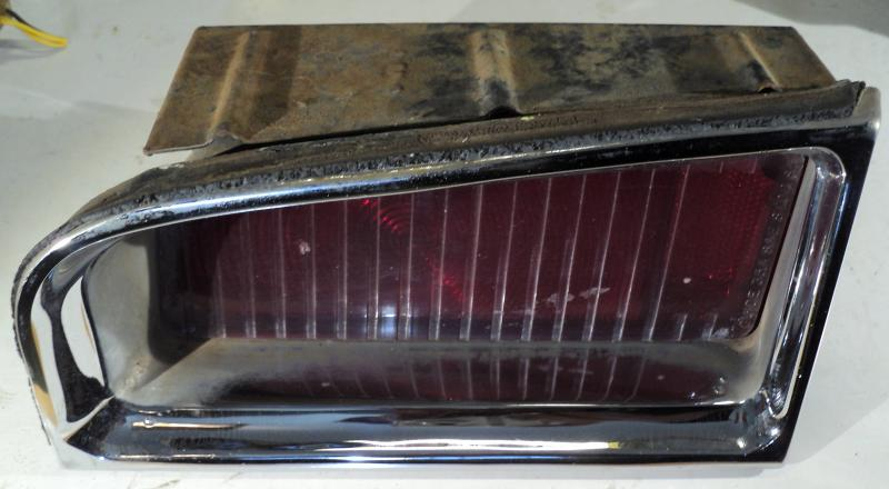 1965   Oldsmobile 88    baklampa  vänster övre