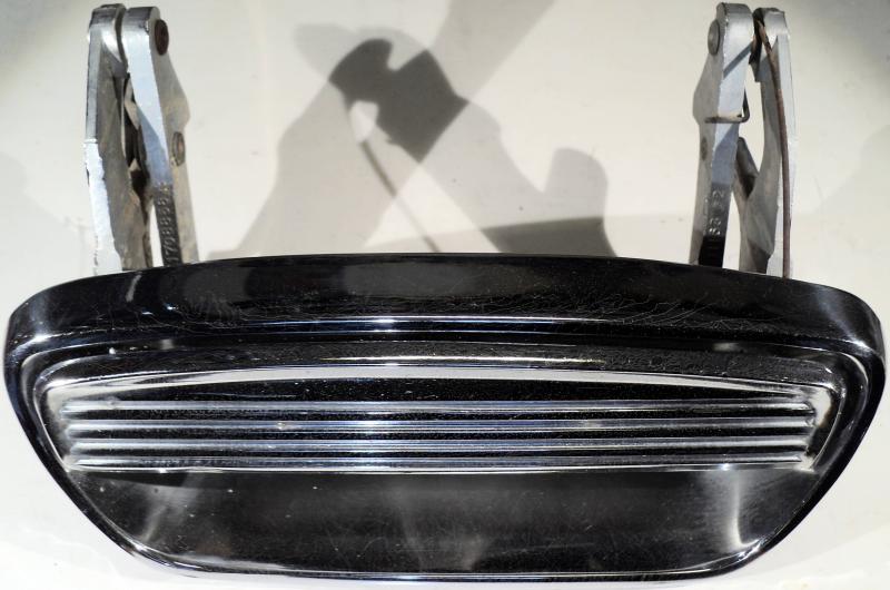 1957  Chrysler     dörrhandtag      höger fram