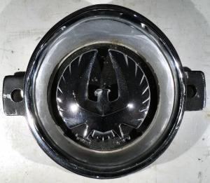 1968 Chrysler Imperial    emblem grill